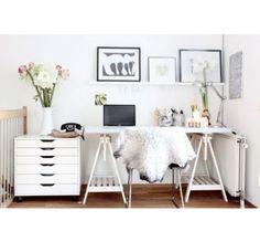 IKEA Schreibtisch mit FINNVARD Böcken