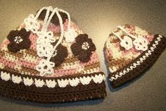 Matching hats for your little girl and her American by ArtsByNoble. , via Etsy.