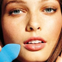 Even the BIGGEST beauty junkies need a day off—kinda, at least. | Self.com | No Makeup Makeup