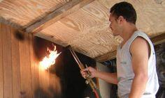 A chamada madeira carbonizada ganha destaque em projetos residenciais - Jornal O Globo