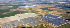 How Solar Power Could Slay the Fossil Fuel Empire by 2030 | Motherboard