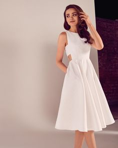 Ted Baker Daisy jacquard cut-out midi dress White Robes D'occasion, Robes Midi, Ted Baker Kleid, Ted Baker Dress, Pretty Dresses, Beautiful Dresses, Casual Dresses, Short Dresses, Rehearsal Dress