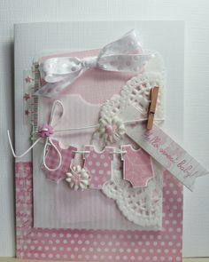 crea10us: Hello sweet baby!!........... auch ne Idee, kleine Babybodys Faden durchziehen und als Girlande verarbeiten.