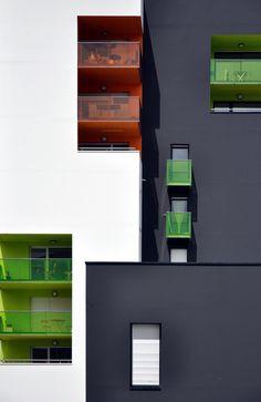Art and Architecture Architecturia Colour Architecture, Facade Architecture, Beautiful Architecture, Contemporary Architecture, Nantes France, Building Facade, Facade Design, Buildings, Windows