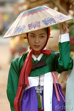 "Hanbok, Korean Traditional Dress...Korean drama. ""Hwang Jin Yi"" in hanbok. Daum Blog"
