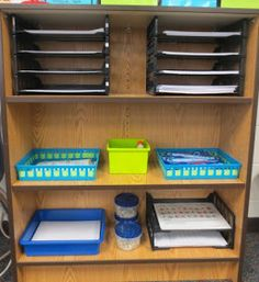 This is my year using The Daily 5 in my classroom. Launching The Daily 5 is what I look forward to the most each fall. In this pos. 2nd Grade Classroom, First Grade Teachers, Classroom Design, Future Classroom, Classroom Ideas, Daily 5 Centers, Second Grade Writing, 5th Grades, Education