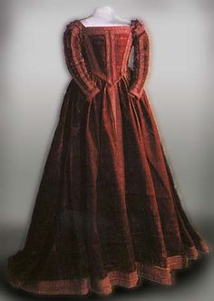Crimson dress was probably dressed on wooden statue in convent San Matteo (1500). Museo di Palazo Reale, Pisa