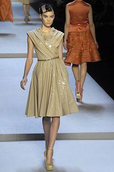 Christian Dior Fall 2007 Ready-to-Wear Fashion Show - Alison Nix (Marilyn)