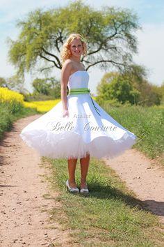 "Petticoatkleider - Brautkleid ""Lilou II"" mit Gürtel in limette - ein Designerstück von atelier-belle-couture bei DaWanda Dance Dresses, Sexy Dresses, Beautiful Dresses, Prom Dresses, Girly Outfits, Cute Outfits, Fifties Fashion, Fancy Dress, Couture"