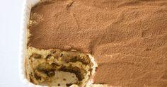 Rediscover this decadent Italian dessert with this classic recipe.Classic Tiramisu it is so delicious. No Cook Desserts, Italian Desserts, Summer Desserts, Italian Recipes, Delicious Desserts, Dessert Recipes, Yummy Food, Easy Desserts, Classic Tiramisu Recipe