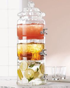 Stacked Glass Beverage Server的图片