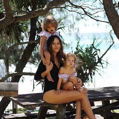 Seafolly Kids @londonxboston & daughters in Seafolly.  Image Seafolly IG