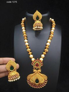 New golden gundla haram necklace designs - Latest Jewellery Design for Women 1 Gram Gold Jewellery, Mens Gold Jewelry, Gold Jewellery Design, New Necklace Designs, Gold Earrings Designs, Necklace Online, Jewelry Patterns, Fashion Jewelry, Latest Jewellery