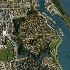 Tholen, Nederland Day 3: Sail to Tholen. Cycle to Kreekrak Lock, sail to Antwerp: 35km