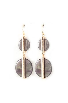 Neutral and gold earrings//