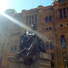 Statue of Queen Victoria in front of QVB Sydney