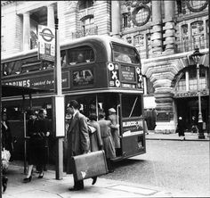 Piccadilly bus stop 1956.