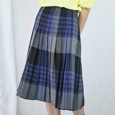 VIN-SKI-04896 Vintage πλισέ φούστα L Vintage Skirt, Skirts, Fashion, Moda, Fashion Styles, Skirt, Fashion Illustrations, Gowns