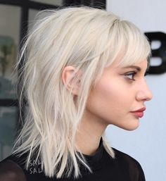 Hairstyles For Medium Length Hair Edgy Bangs 34 Ideas For 2019 Edgy Hair Bangs Edgy Hair Hairstyles Ideas Length Medium Medium Long Hair, Medium Hair Cuts, Medium Hair Styles, Curly Hair Styles, Hair Cuts Edgy, Edgy Long Hair Styles, Long Curly, Edgy Haircuts, Hairstyles With Bangs