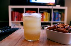 Meet The Modern Whiskey Sour: Gold Rush Cocktail Recipe | Food Republic