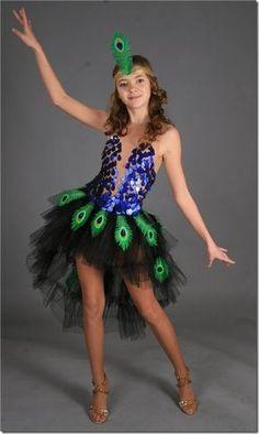 Idea Disfraz Casero de Pavo Real para niñas