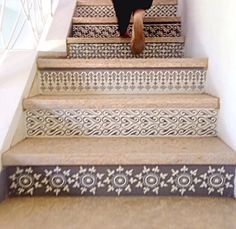 Elegant Bohemian Decor: Make the stairs a focal point of your home with an elegant design to refresh and update your hallway. Style At Home, Escalier Design, Tile Stairs, Home And Deco, My New Room, My Dream Home, Home Projects, Diy Home Decor, Home Improvement