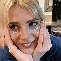 Rachel Green, Kendall Jenner, Fancy Makeup, Pretty Makeup, Lucy Boynton, Normcore, Twiggy, Makeup Inspo, Wedding Makeup