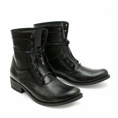 10557 City. O como saltar de un concierto del Boss al tercer acto de Turandot sin revisar tu vestuario. #Sendra #Boots #Botas #Man #Trend