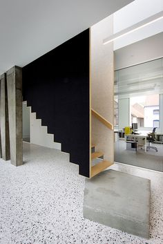 Staircase Handrail, Wood Staircase, Staircase Design, Architecture Desk, Architecture Details, Shop Interiors, Office Interiors, Modern Stairs, Floating Stairs
