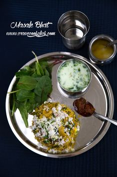 Masale bhat is an authentic maharastrian rice delicacy made with homemade ground masalas and vegetables. Healthy Recipes, Rice Recipes, Indian Food Recipes, Cooking Recipes, Ethnic Recipes, Punjabi Recipes, Vegetarian Cooking, Chicken Recipes, Kitchens