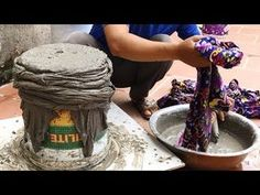 Make pots at home beautiful - Construction design with sand and cement -.Make pots at home beautiful - Construction design with sand and cement -. Cement Art, Concrete Crafts, Concrete Projects, Diy Concrete Planters, Concrete Garden, Pots D'argile, Cement Flower Pots, Flower Pot Design, Concrete Sculpture