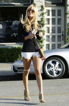 Kristin Cavallari looking very L.A. chic. Loving the cutoff shorts.