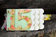 Album demadera con  detalles de puntilla siliconada,decoupage y relieve ideal 15 años