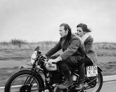 SCOTT POMMIER PHOTOGRAPHY FAST NORTON MOTORCYCLE