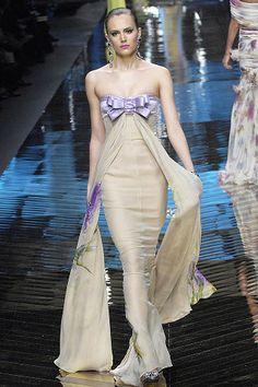 Valentino Spring 2008 Couture Fashion Show - Yana Karpova