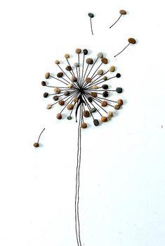 Ein Steinbild - Pusteblume - Pebble Art Ein schönes Geschenk für jeden Anlaß, nicht nur für Segler... Meine Steinbilder sind immer Unikate und so unverwechselbar, sie werden aus Strandsteinen und Kieselsteinen hergestellt. Das Bild ist auf Karton und Hartfaserplatte gearbeitet und mit