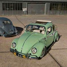 I want these safari windows for my bug Auto Volkswagen, Volkswagen Karmann Ghia, Volkswagen Group, Vw Accessories, Safari Windows, Vw Beetle Convertible, Bug Car, Vw Classic, Vw Beetles