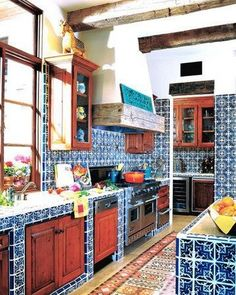 37 Colorful Kitchen Decorating With Mexican Style - Kitchen Decor Mexican Style Kitchens, Mexican Kitchen Decor, Mexican Home Decor, Farmhouse Kitchen Decor, Decorating Kitchen, Decorating Ideas, Kitchen Tiles, Kitchen Colors, Hacienda Kitchen