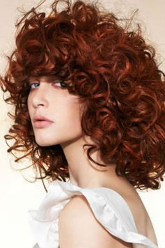 Dark Auburn/ Copper Red hair - Hair that I've always coveted Cute Curly Hairstyles, Hairstyles With Bangs, Curly Hair Styles, Curly Bangs, Red Bangs, Hairstyle Ideas, Red Hair Extensions, Copper Red Hair, Gold Hair
