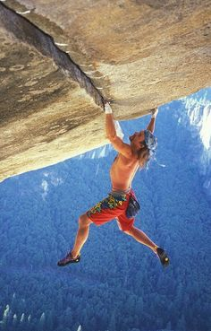 "Free climbing, master class - Heinz Zak climbs the route ""Separate Reality"" solo (= without belay/rope) (Yosemite National Park, CA, 2005)"