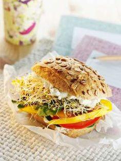 bocadillo-vegetal-con-queso-crema
