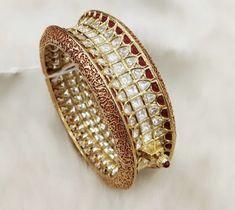 Kundan Bangles, Bridal Bangles, Gold Bangles, Bridal Jewellery, Indian Jewelry Sets, India Jewelry, Jewelry Patterns, Bellisima, Jewelry Collection