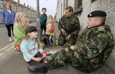 Soldiers talk to Protestant children Northern Ireland Troubles, Belfast Northern Ireland, British Army, British Isles, Orange Order, 1980s Childhood, Army Day, British Armed Forces, Michael Collins