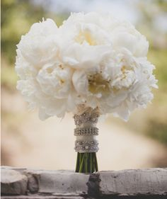 50 Fashionable Bouquets | The Blushing Bride #wedding #bacheloretteandbride