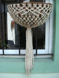 Sandra Nogué: Coconut flowerpots - Brassieres and macramé sets
