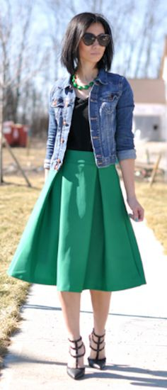 green a-line midi skirt http://rstyle.me/n/h3werr9te