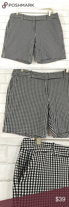 Michael Kors white black plaid sorts size 10 Michael Kors new no tag black white plaid shorts.  Size 10, button zipper front, 2 front pockets, 2 back pockets, name spell out silver plait on back pocket. 97% cotton 3% spandex.   Ⓜ️Waist 36 Ⓜ️Rise 10 Ⓜ️Inseam 7 Ⓜ️Length 16  ✅Bundle and save  ✅🚭 ✅ all reasonable offers will be considered 🚫No Trading 🙅🏻 Poshmark rules only‼️ MICHAEL Michael Kors Shorts Skorts