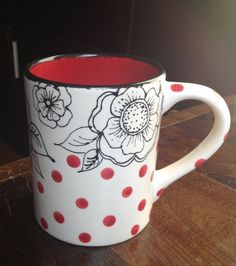 16oz. flower outline mug with polka dots