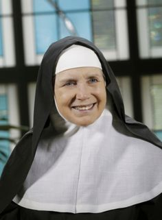 By Mother Dolores Hart, OSB Religious life is meant for all who seek God no matter what they believe is their calling or vocation. Women Of Faith, Strong Women, Golden Age Of Hollywood, Old Hollywood, Nun Outfit, Dolores Hart, Religion Catolica, Vintage Style Dresses, Photos Of Women