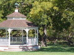The Gazebo at Willowood Ranch | Bells, TX | Wedding Venue